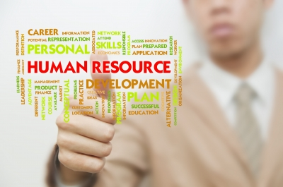 new challenges in retail human resource