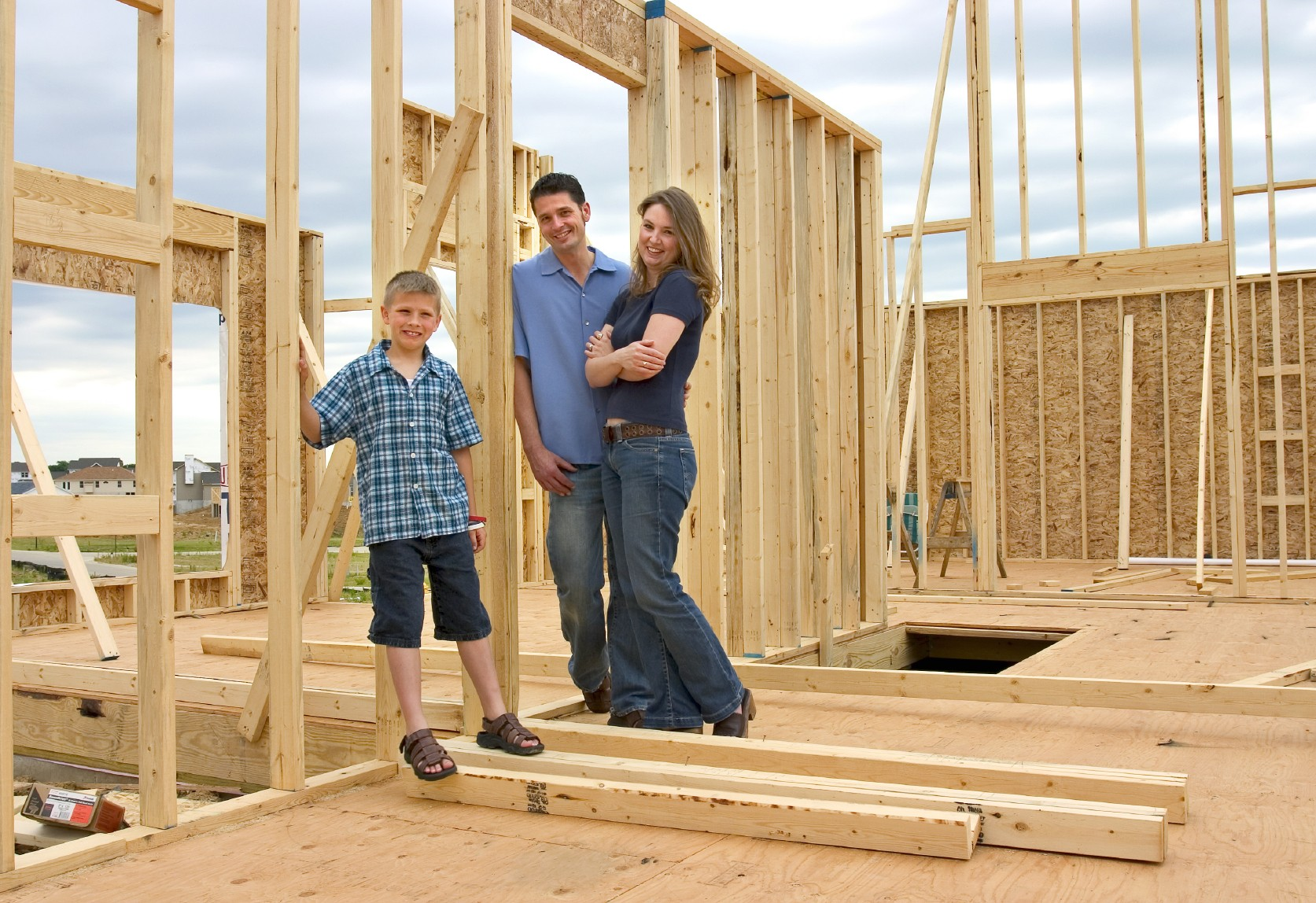 How to stay within your budget when building a new home for How to save money building a house